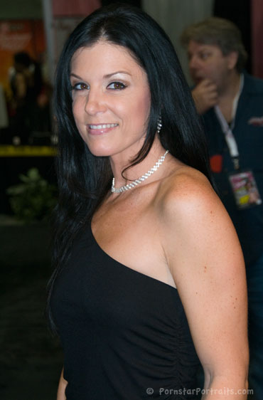 India Summer at eXXXotica Los Angeles
