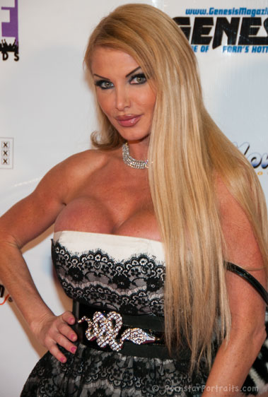 Taylor Wane at F.A.M.E. Awards